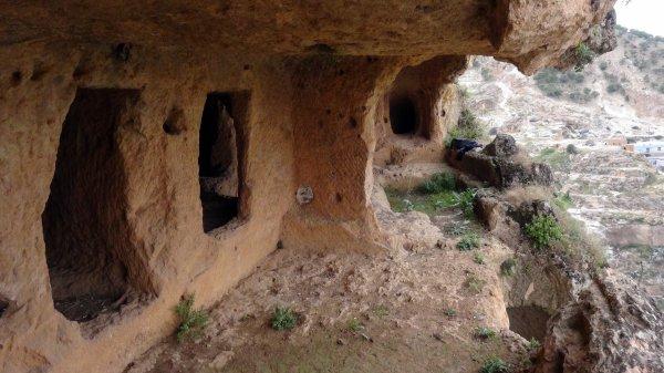 Bilinmeyen tarihi mağara keşfedilmeyi bekliyor #1