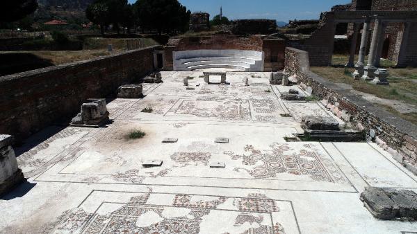 Yahudilerin tarihteki 3 üncü sinagogu ihtişamını koruyor #2