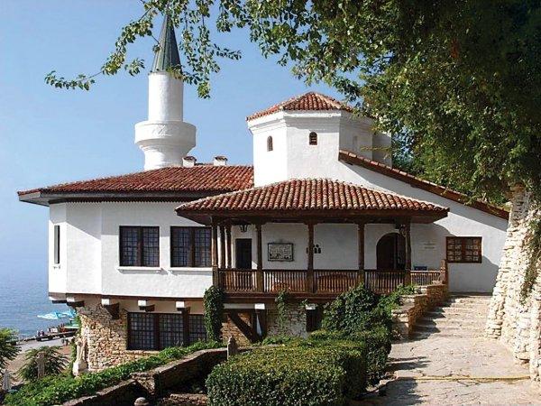 Romanya Kraliçesi Maria nın minareli köşkü #1