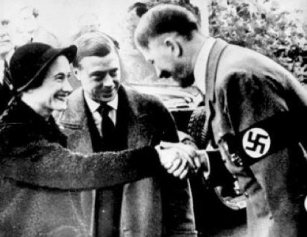 Ünlü modacı Coco Chanel bir Nazi ajanıydı #1