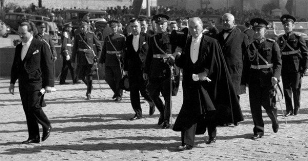 Ünlü modacı Coco Chanel bir Nazi ajanıydı #7